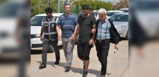 Tarihi Tevrat'ı Satmaya Çalışan Üç Suriyeli Yakalandı!