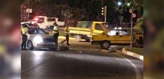 Dur İhtarına Uymadı! Alkollü Sürücü Polisten Kaçarken Polise Çarptı!