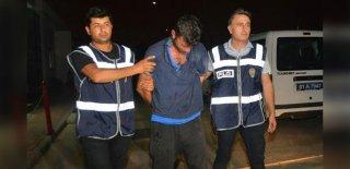 İki Kişiyi Bıçaklayan Zanlı Kendisini Tutuklamaya Gelen Polisi de Bıçakladı!