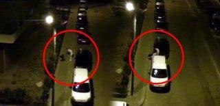 Kadını Sokak Ortasında Tekme Tokat Dövdü! Bu Kadar da Olmaz Dedirten Görüntüler!