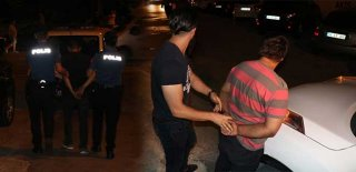 Polisten İSPARK Değnekçilerine Operasyon! Suçüstü Yakalandılar…