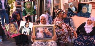 Hdp Binası Önünde Oturan Annelerin Yürek Burkan Hikayeleri!