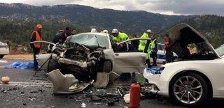 Katliam Gibi Kazada 4 Kişi Hayatını Kaybetti 2 Kişi Ağır Yaralandı