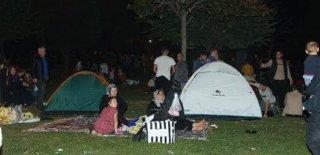 İstanbul'dan Deprem Manzaraları! Vatandaşlar Sahillere ve Parklara Akın Etti...