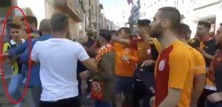 Galatasaraylı Taraftarlar Fenerbahçeli Genci Linç Etmek İstedi