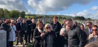 Kendi Cenaze Törenine Katılanları Gülmekten Kırdı Geçirdi!