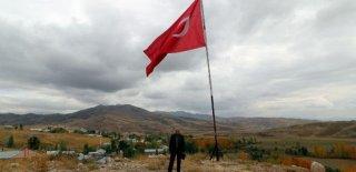 35 Yıldır Türk Bayrağını Yüksekova'da Dalgalandırıyor: Şiddetli Çatışmalar Yaşadık!