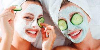 Evde Cilt Bakımı İçin 10 Doğal Maske Tarifi ve Pratik Çözüm Önerileri