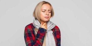 Geçmeyen Boğaz Ağrısı Neden Olur? Boğaz Ağrısına Hızlı ve Doğal Çözüm Önerileri