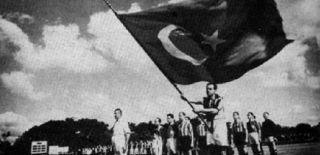 Türkiye'de Siyaset-Futbol İlişkisi
